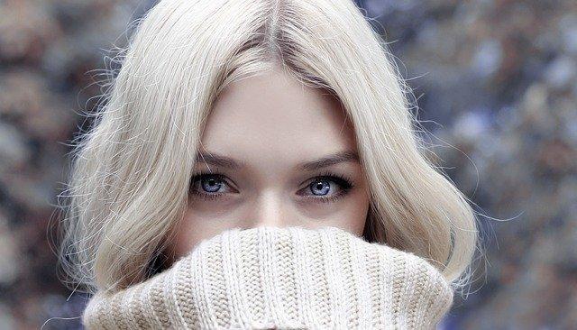 blonďatá dívka